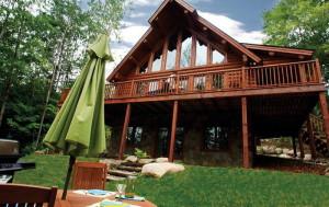 Amik, une magnifique maison de 4 chambres à coucher, conçue en bois rond